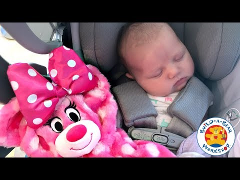 BABY'S FIRST BUILD A BEAR!