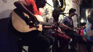 Radioactive - Thỏ Trauma - Live Acoustic at Fang Pub