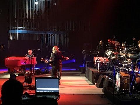 Elton John Tribute to David Bowie