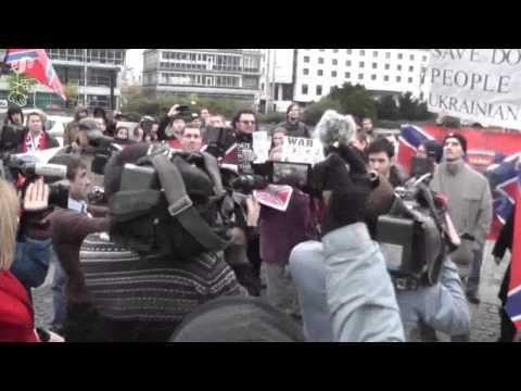 Nechceme vojnového zločinca Porošenka na Slovensku!