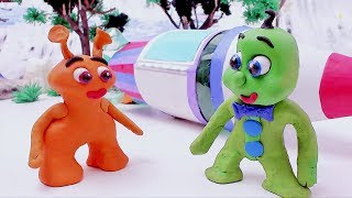 Green Baby in PLAYING WITH ALIEN - Stop Motion Cartoons For Kids
