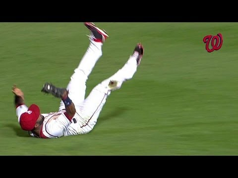 span-makes-an-unbelievable-game-saving-catch