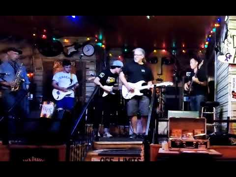 Blues Jam At Kingston Mines With Linsey Alexander