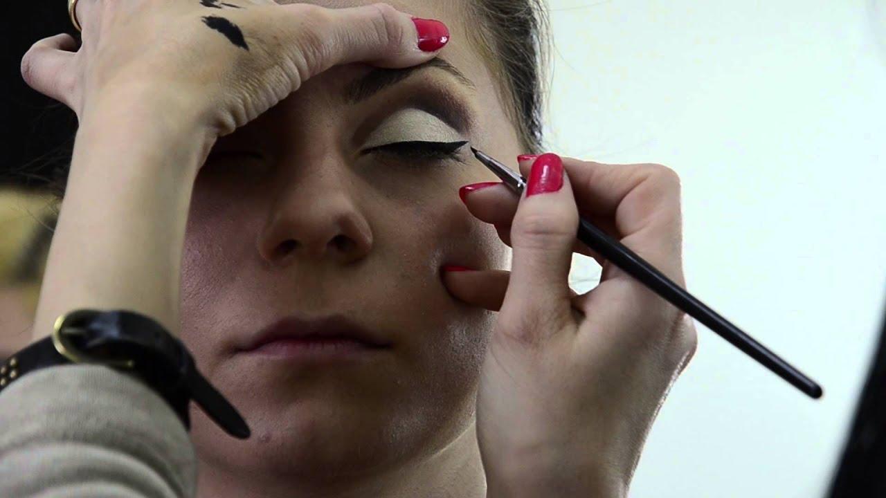 Machiajul Pin Up Scoala De Cosmetica Make Up Artist Si Masaj