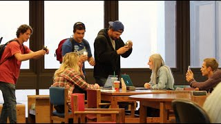 PAPARAZZI CAM IN THE LIBRARY!