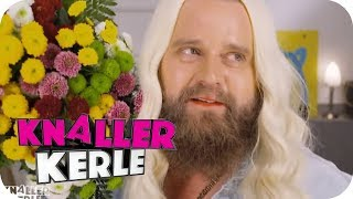 Welche Religion mag Dagi Bee? | Knallerkerle | SAT.1 TV