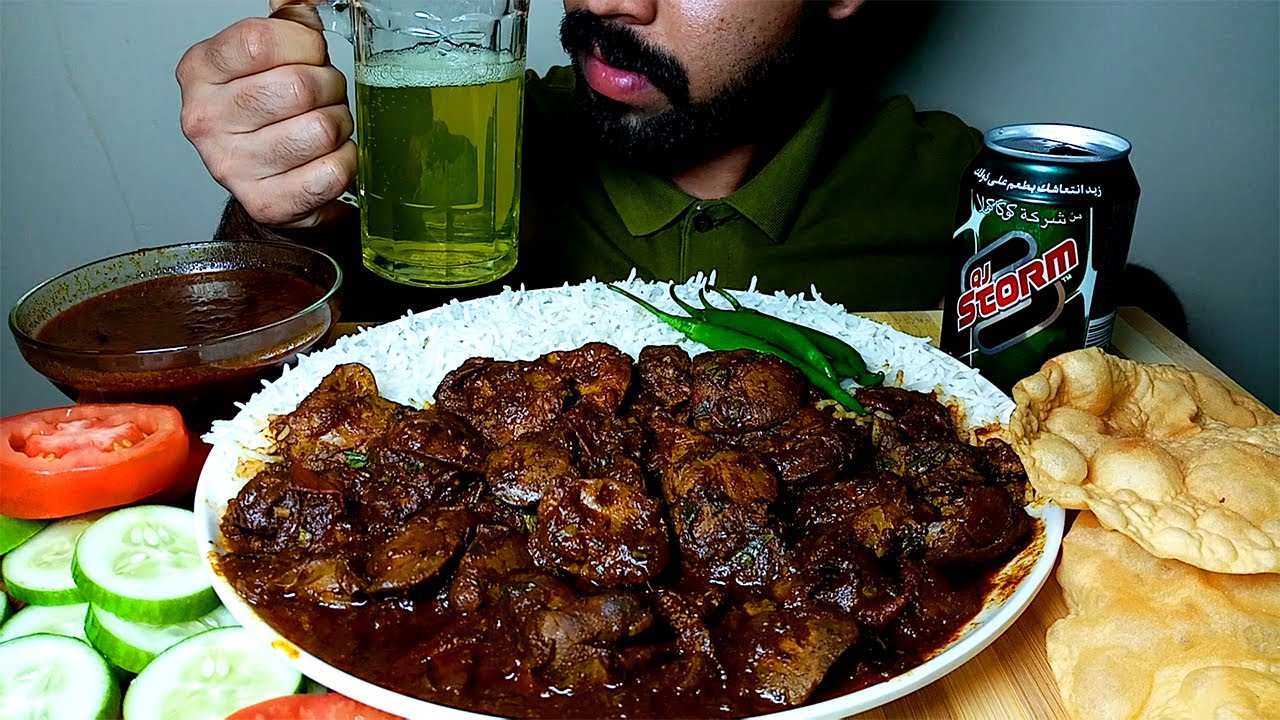 EATING SPICY CHICKEN LIVER CURRY AND RICE,PAAPAD & SALAD #HungryPiran