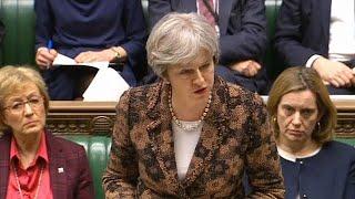 Ex-espion empoisonné: Theresa May réclame des explications à Moscou