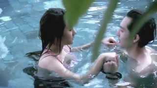 Repeat youtube video เมื่อวัยรุ่น เล่นบทรักในน้ำ