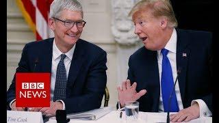 Donald Trump gets Apple boss's surname wrong - BBC News