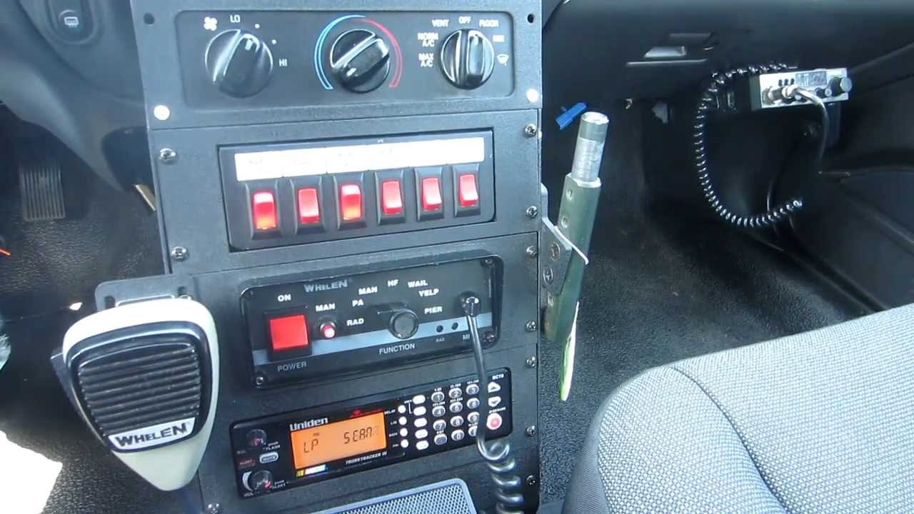 2004 ford crown victoria - Police Scanner & Cb Radio On ...