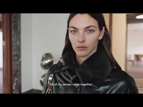 Tod's in a Moment: la sfilata della Women's Collection di Tod's Autunno-Inverno 2021-2022