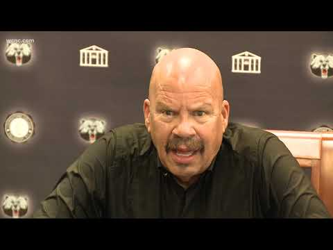 Tom Joyner speaks at Livingstone College