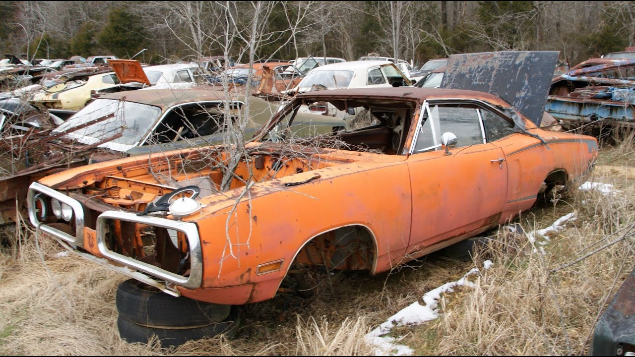 The Epic Mopar Junkyard Part 5: SUPERBEES, Charger R/Ts and much ...