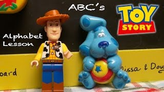 Repeat youtube video LEGO Woody & Blue's Clues: ABC Preschool Activity! Toy Story 4, Alphabet For Kids, Toy Story Toys