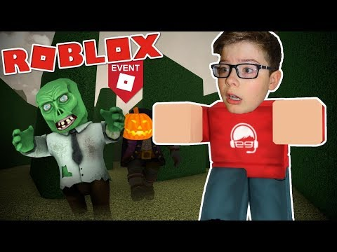 Trapped with MONSTERS in the Hallow's Eve MAZE!! - Roblox