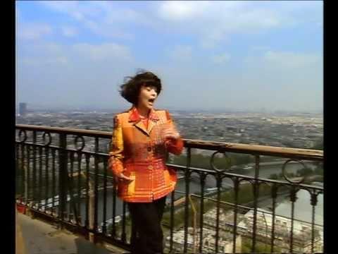 Клип Mireille Mathieu - Hinter den Kulissen von Paris