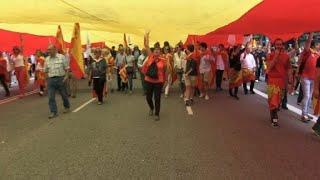 Catalanes unionistas celebran la fiesta nacional de España
