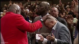 """Bishop T.D. Jakes """"The Peaceable Transfer of Power!"""" (Lays Hands On Pastor Gary, Jenkins, Dr. Jazz)"""