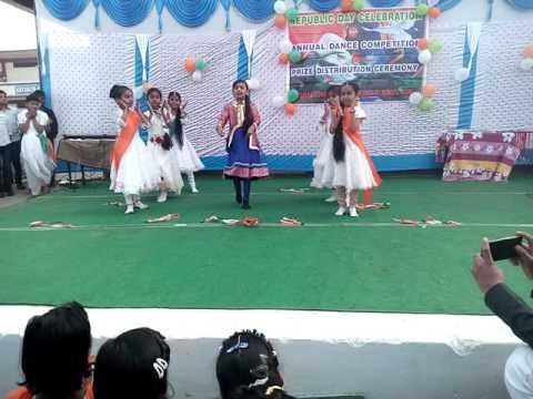Jaha Qadam Qadam Pe badle dharti Rang ............. Dance