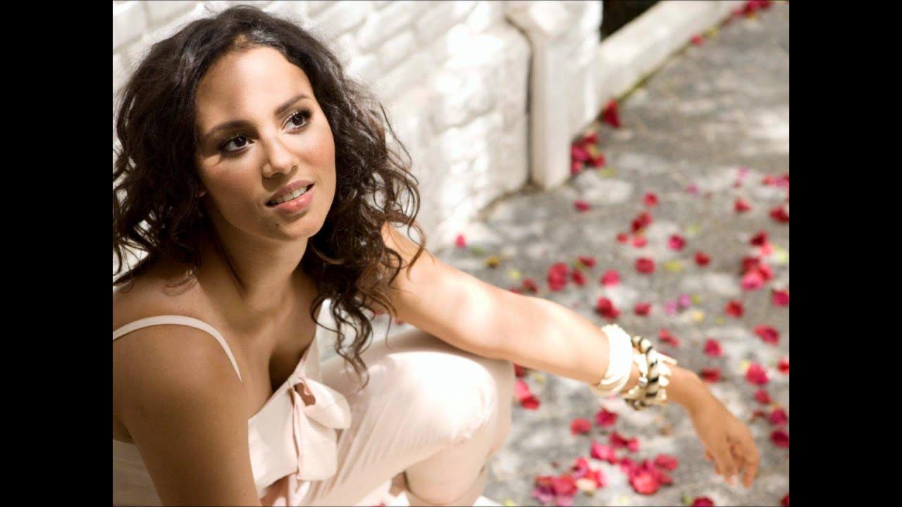 Mayra Andrade - Lapidu na bo
