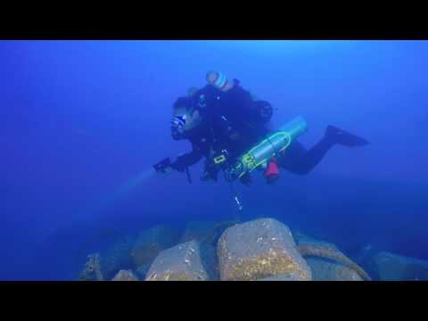 """Diving on the """"Tamar"""" gas pipe"""