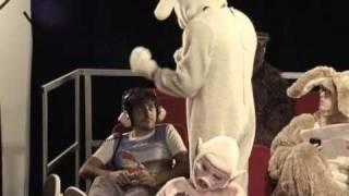 "El Guincho ""Bombay"" (Official Video-Clean Version)"