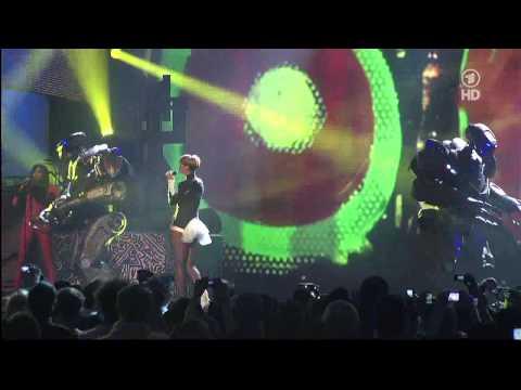 Rihanna - Rude Boy HDTV 1280 x 720 (Echo 2010)