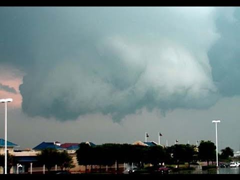 Tornado chase April 23, 2011 Gainesville, Texas + hail + wall clouds