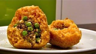 Reis Kugeln gefüllt-Arancini-Arancini di Riso-Sizilianisches Fast Food-Onigiri