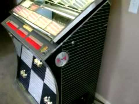 1961 Seeburg Jukebox playing Bob Seger Main Street