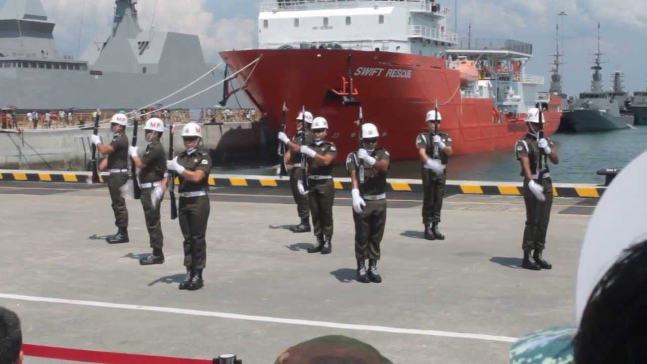 NAVY OPEN HOUSE 2013 - MILITARY POLICE DRILLS - YouTube