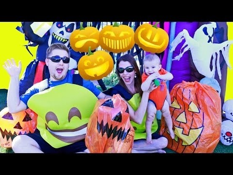 HALLOWEEN Pumpkins Giant Surprise Toys Costume + Spooky Haunted House Hatchimals Egg Baby Playground