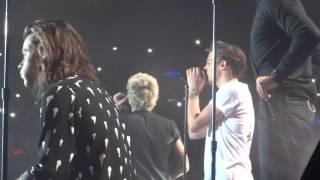 Video You & I - One Direction live @ O2  London 29/09/2015 download MP3, 3GP, MP4, WEBM, AVI, FLV Februari 2018