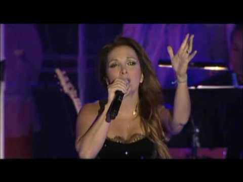 Ave Maria - Hélène Ségara - Fous Chantants d'Alès - 2011
