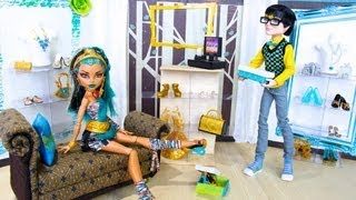 Doll Room Tour: Shoe Store