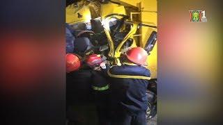 Hà Nội - Giải cứu thành công lái xe mắc kẹt trong cabin xe tại địa phận Thường Tín | Tin nóng 24H