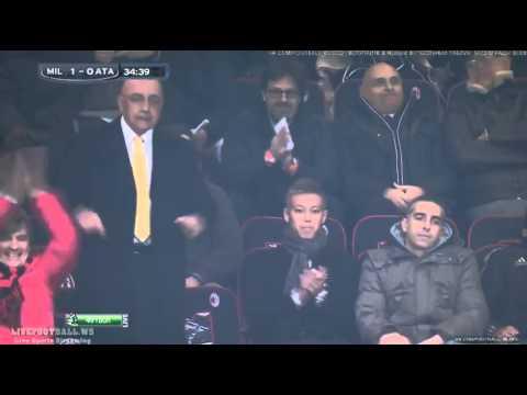 Keisuke Honda cheering for the 100th goal of Kaka at Milan vs Atalanta HD