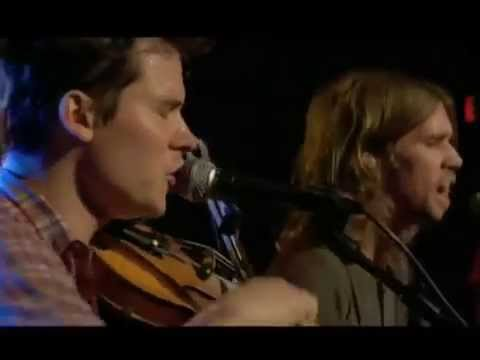 Old Crow Medicine Show - Fall All On My Knees [Live]