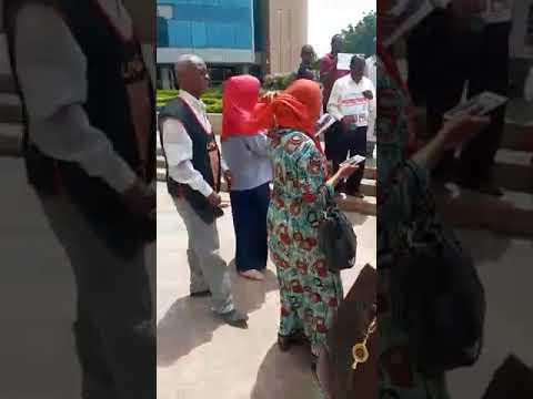 شاهد|| كلمة مؤثرة لوالد طفلة سودانية مغتصبة من قبل 14 متهما
