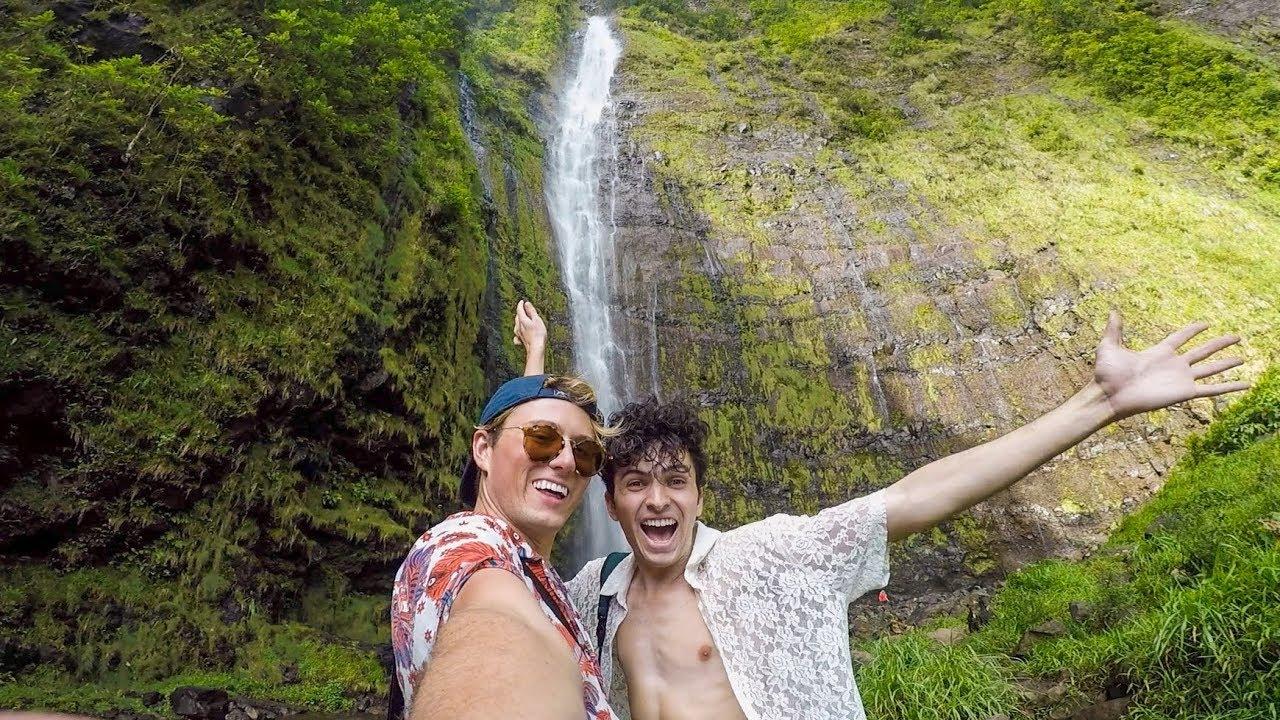 Road To Hana TRAVEL VLOG | Black Sand Beach, Bamboo Forest & Waterfalls!