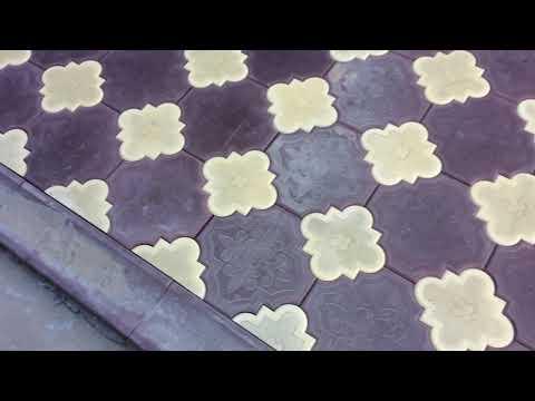 Укладка брусчатки, клевер двух цветов/ Процесс/Монтаж