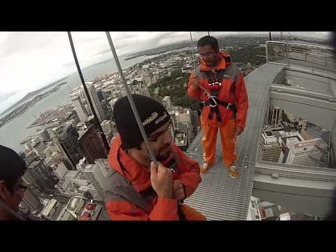 Download Youtube: Sky walk at sky tower