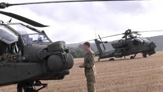 Zwei US-Kampfhuschrauber landen auf Feld bei Zwönitz - Start erst am Morgen möglich