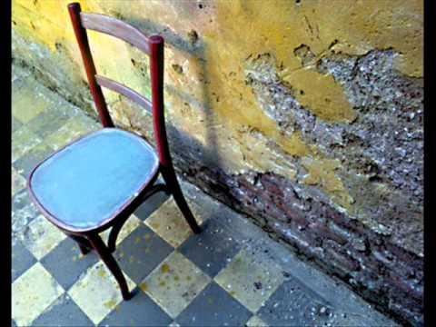 O sillas de madera intervenidas youtube - Sillas restauradas ...
