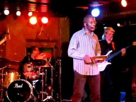 L'artiste camerounais Patrick Bebey en concert sur TVIDF 5ème partie.