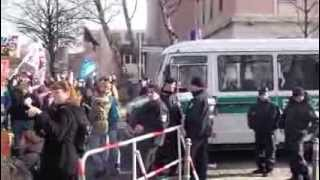 Japanischer Wal- und Delfinfang - Weltweit größte Demonstration in Berlin