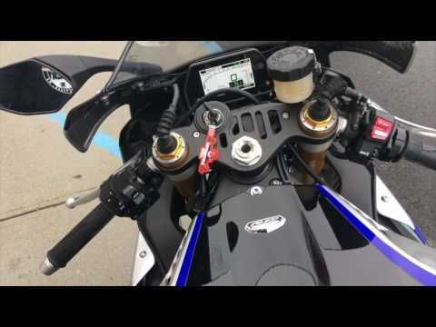download 2017 Yamaha R1 M | First Look