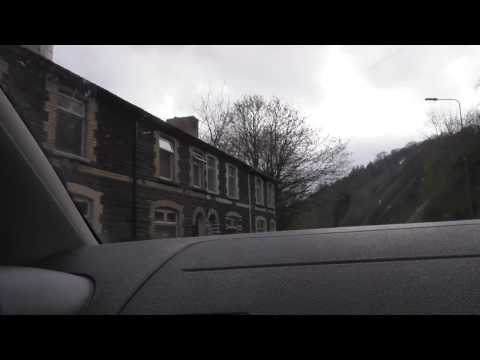 good Abertillery houses  Wales 9apr17 647p