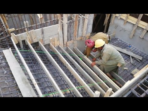 Stair case shuttering construction